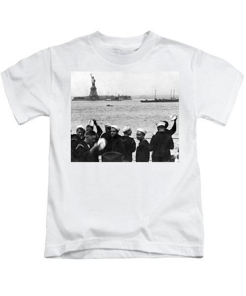 Uss Pennsylvania Sailors Cheer Kids T-Shirt