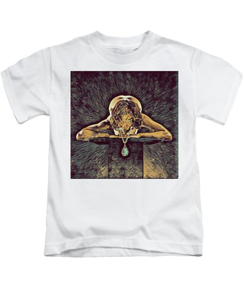 0756s-zac Nude Woman With Amulet On Tall Pedestal  Kids T-Shirt