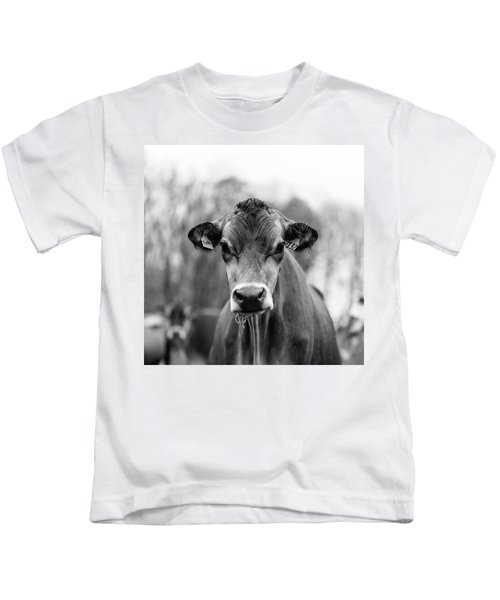 Portrait Of A Dairy Cow In The Rain Stowe Vermont Kids T-Shirt