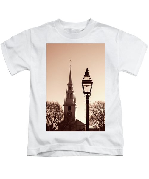 Trinity Church Newport With Lamp Kids T-Shirt