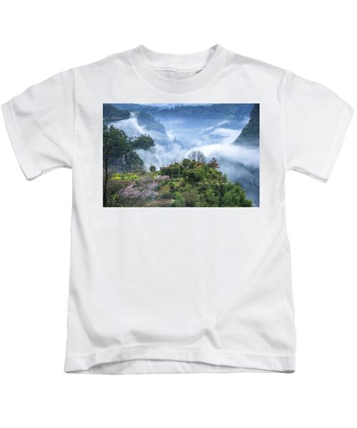 Mountains Scenery In The Mist Kids T-Shirt