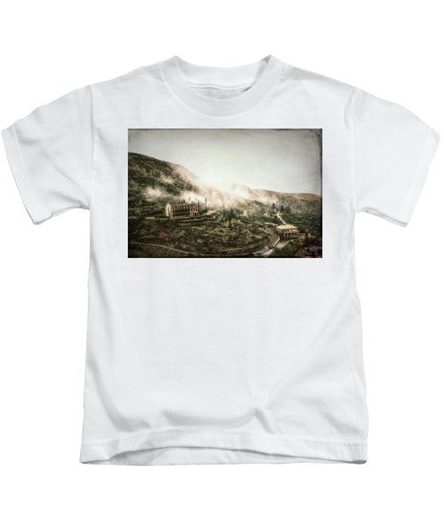 Abandoned Hotel In The Fog Kids T-Shirt