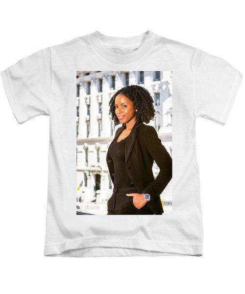 African American Businesswoman Working In New York Kids T-Shirt