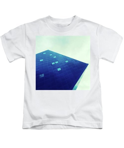 An Irresistible Icon. Every Sf Visit Kids T-Shirt