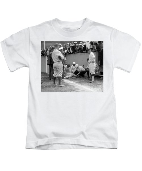 Babe Ruth Knocked Out By A Wild Pitch Kids T-Shirt