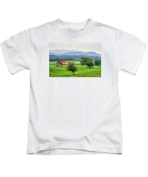 Barn In Smokies 2 Kids T-Shirt