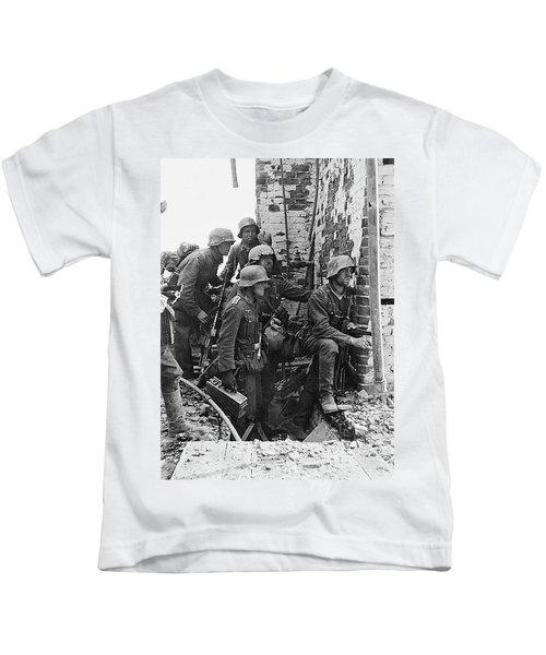 Battle Of Stalingrad  Nazi Infantry Street Fighting 1942 Kids T-Shirt