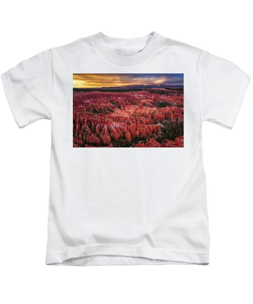 Bryce Canyon In The Glow Of Sunset Kids T-Shirt