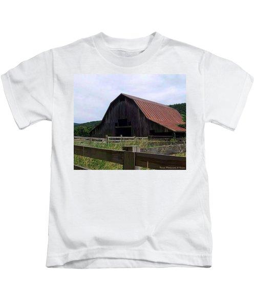 Buffalo River Barn Kids T-Shirt