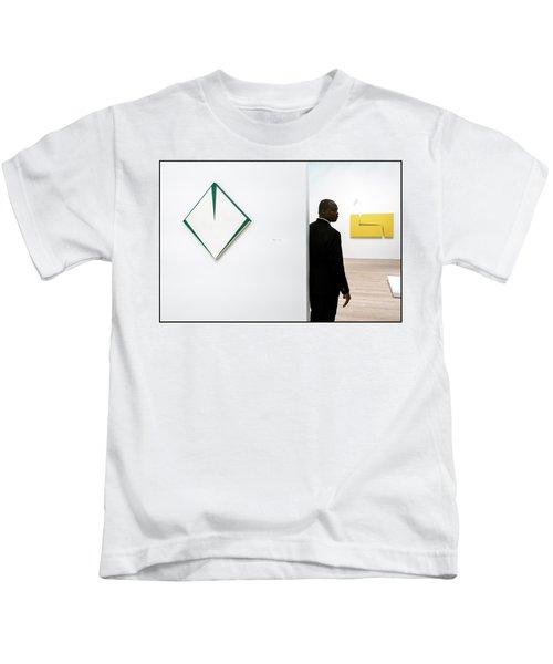 Carmen Herrera At The Whitney 1 Kids T-Shirt