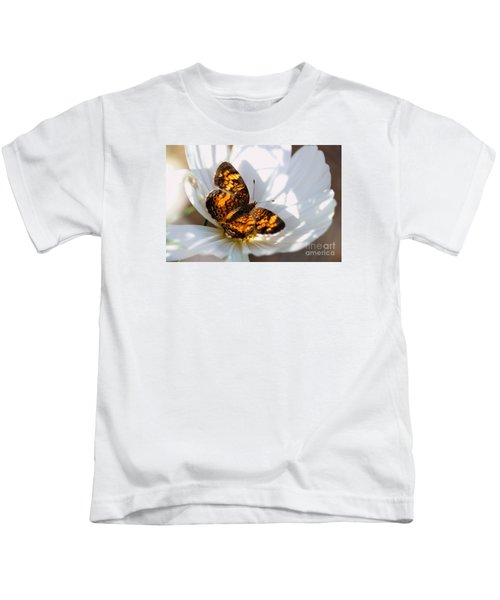 Pearl Crescent Butterfly On White Cosmo Flower Kids T-Shirt