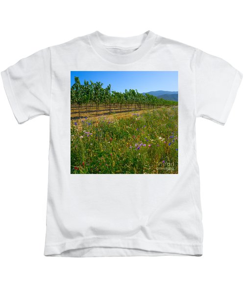Country Wildflowers V Kids T-Shirt