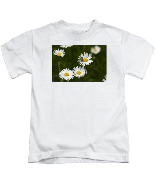Daisy Visitor Kids T-Shirt