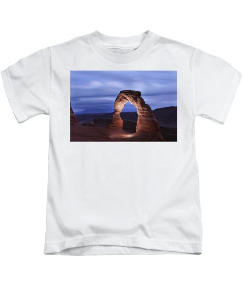 Delicate Arch At Twilight Kids T-Shirt