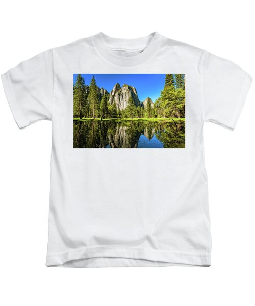 Early Morning View At Cathedral Rocks Vista Kids T-Shirt