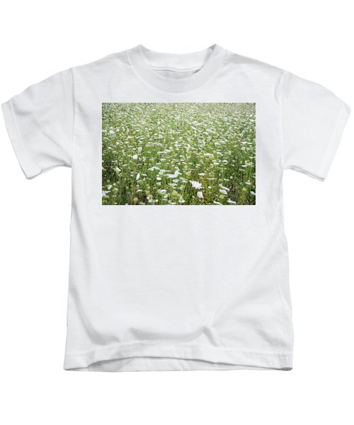 Field Of Queen Annes Lace Kids T-Shirt