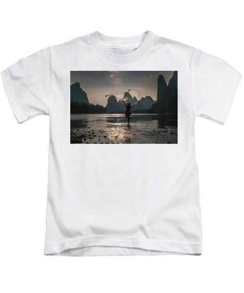 Fisherman Casting A Net. Kids T-Shirt