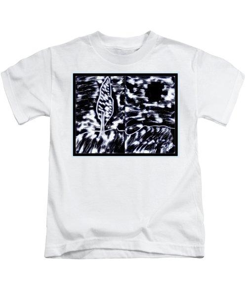 Fun In Trees 10 Kids T-Shirt
