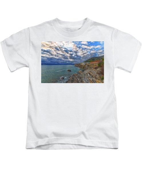 Genova Nervi Ex Ristorante Marinella  Luoghi Abbandonati Abandoned Places Kids T-Shirt