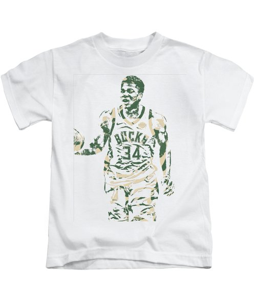 Giannis Antetokounmpo Milwaukee Bucks Pixel Art 21 Kids T-Shirt