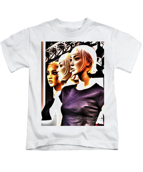 Girls_09 Kids T-Shirt