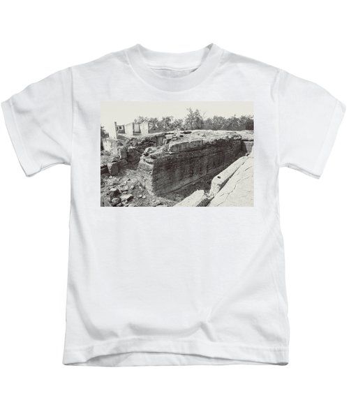 Into The Ruins 5 Kids T-Shirt