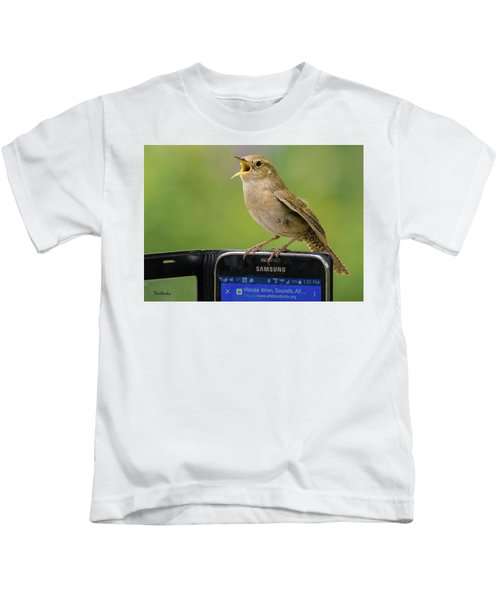 Karaoke Wren Kids T-Shirt