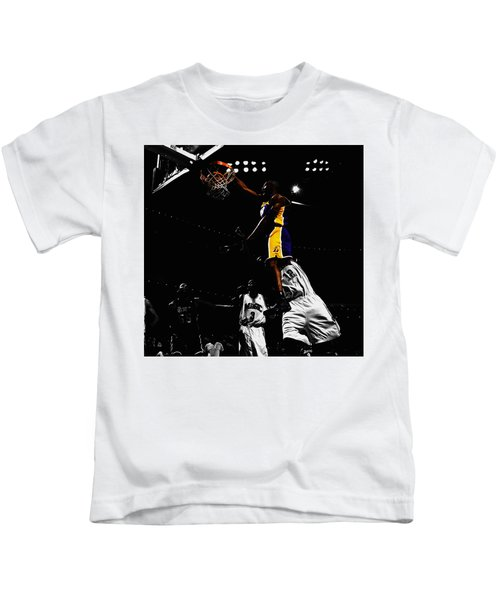 Kobe Bryant On Top Of Dwight Howard Kids T-Shirt by Brian Reaves