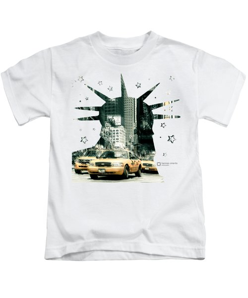 Lady Liberty And The Yellow Cabs Kids T-Shirt