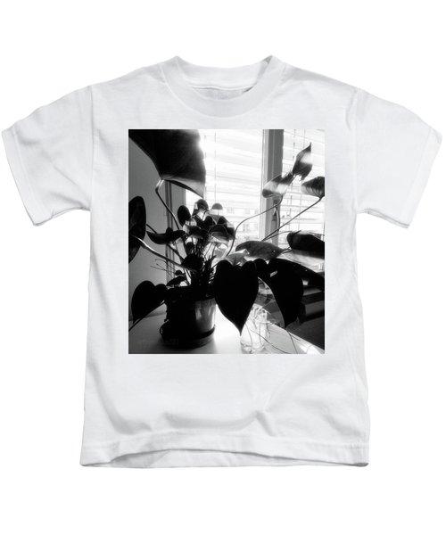 Light And Shadow 11 Kids T-Shirt