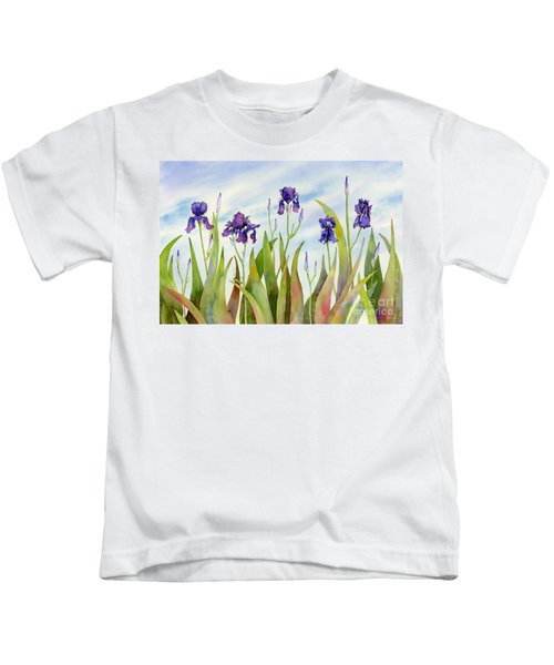 Listening To Divas Kids T-Shirt by Amy Kirkpatrick