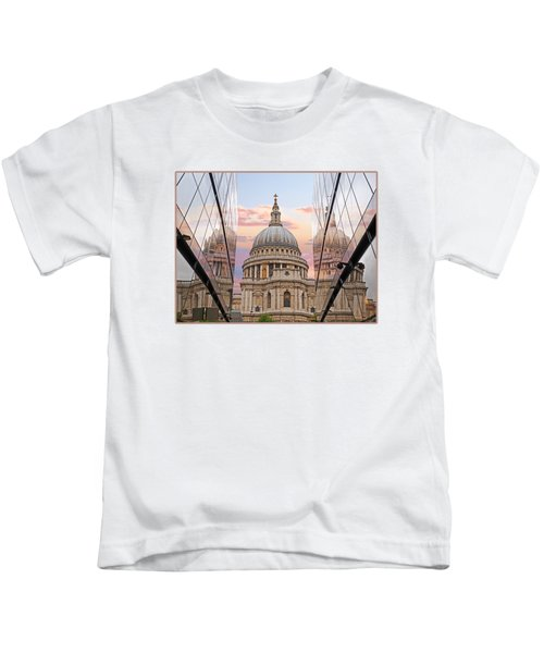 London Awakes - St. Pauls Cathedral Kids T-Shirt