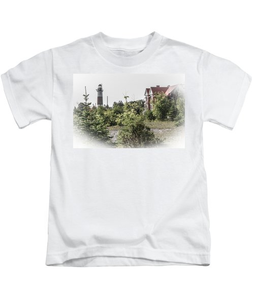 Middle Island Lighthouse And Keeper's Lodge Kids T-Shirt