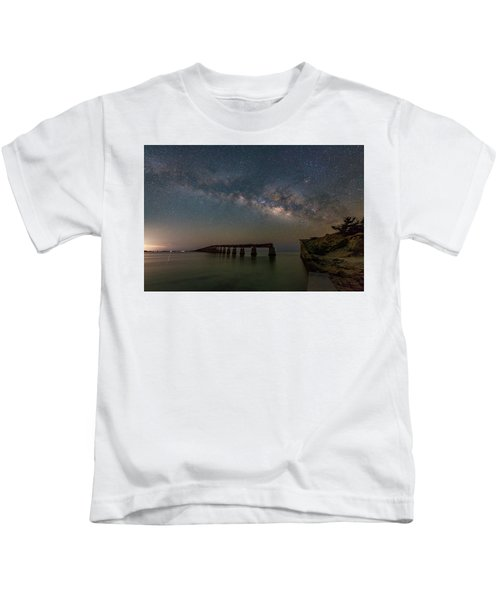Milky Way Over The Old Bahia Honda Bridge Kids T-Shirt