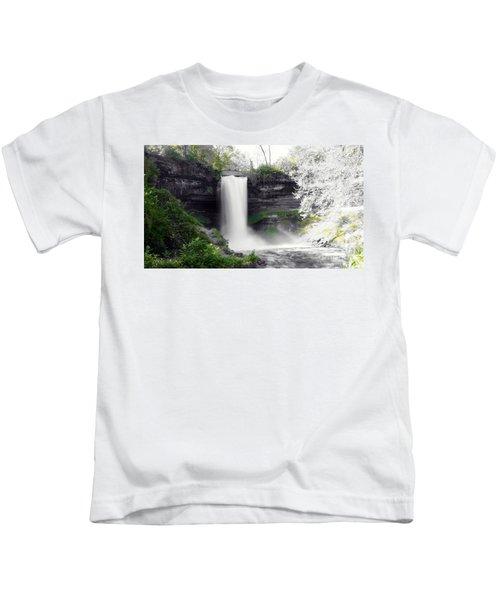 Minne Haha Falls Kids T-Shirt