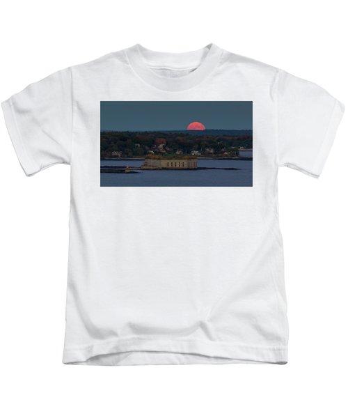 Moonrise Over Ft. Gorges Kids T-Shirt