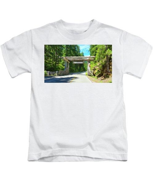 Mt. Rainier National Park Entrance Sign Kids T-Shirt