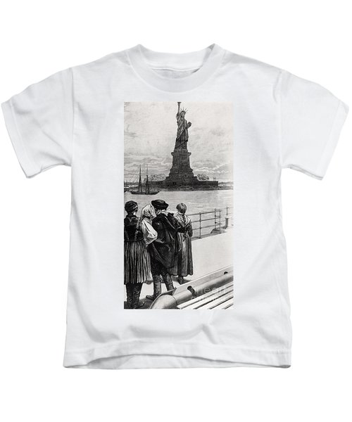 New York  Welcome To The Land Of Freedom Kids T-Shirt