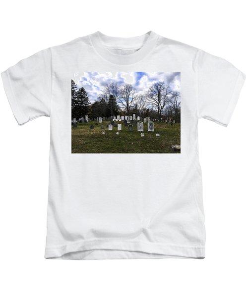 Old Town Cemetery Sandwich, Massachusetts Kids T-Shirt