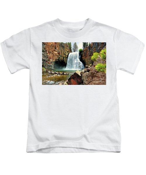 Rainbow Falls 15 Kids T-Shirt