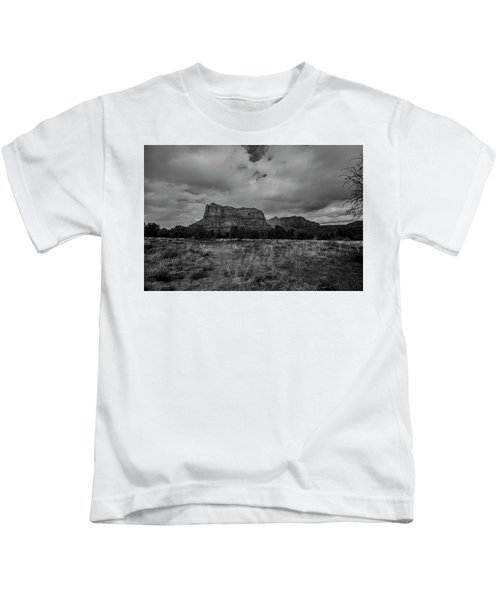 Sedona Red Rock Country Arizona Bnw 0177 Kids T-Shirt by David Haskett