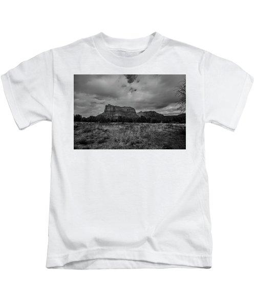 Sedona Red Rock Country Arizona Bnw 0177 Kids T-Shirt by David Haskett