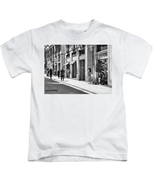 Spain La Rambia Gothic Quarter Bw Street Kids T-Shirt