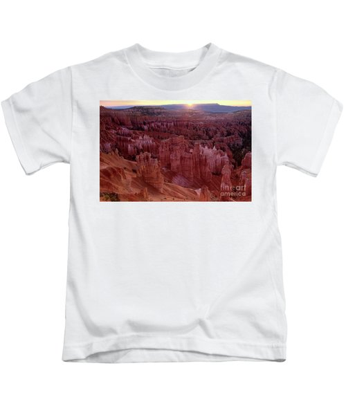 Sunrise Over The Hoodoos Bryce Canyon National Park Kids T-Shirt