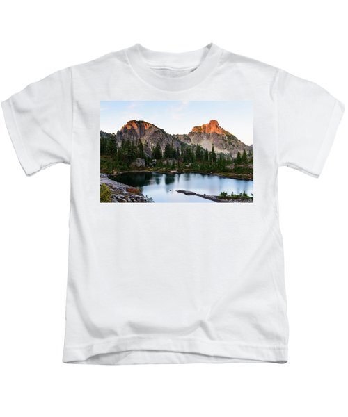 Sunset In Lila Lakes And High Box Mountain Kids T-Shirt
