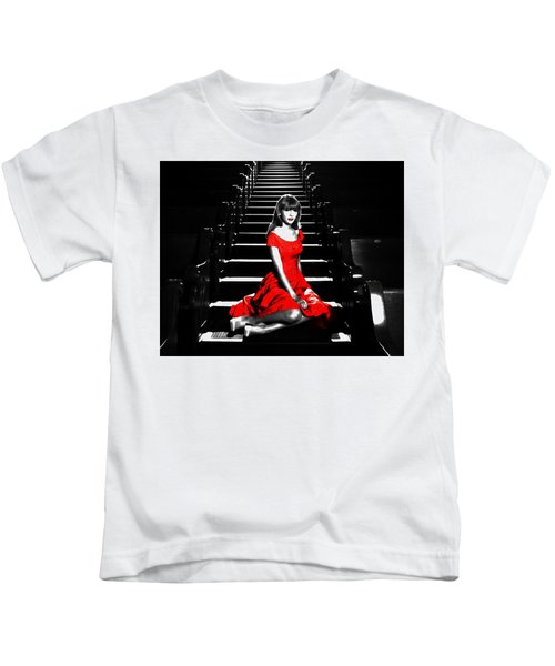 Taylor Swift 8c Kids T-Shirt by Brian Reaves