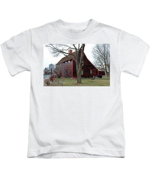 The Deane Winthrop House Kids T-Shirt