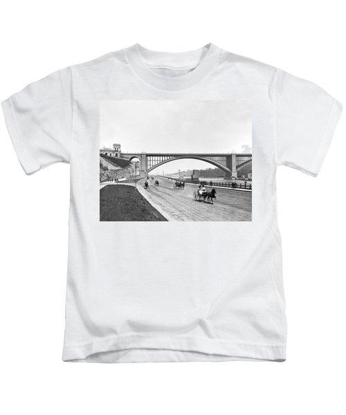 The Harlem River Speedway Kids T-Shirt