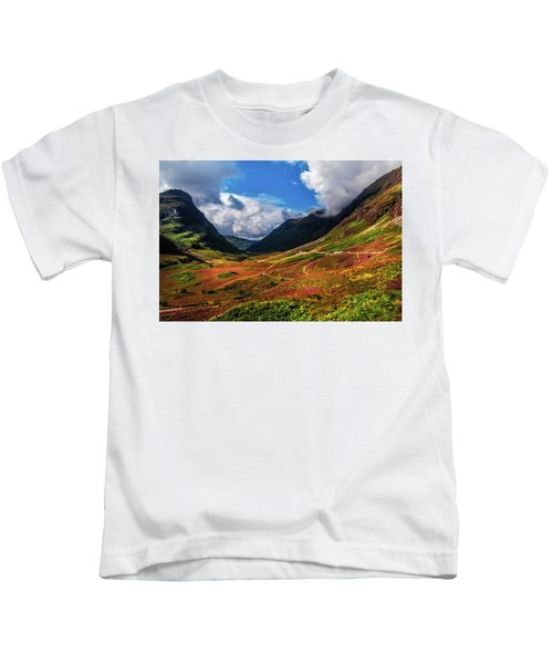 The Valley Of Three Sisters. Glencoe. Scotland Kids T-Shirt