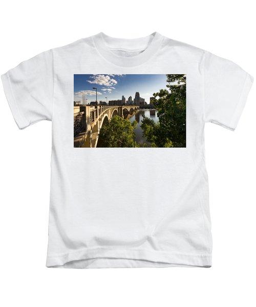 Third Avenue Bridge Kids T-Shirt
